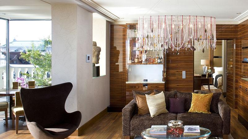 mandarin oriental m nchen globe deluxe. Black Bedroom Furniture Sets. Home Design Ideas